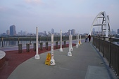 新月橋夜拍:06寬闊的橋面.jpg