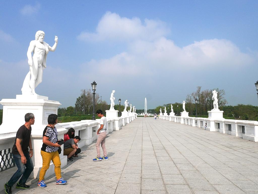 07奇美博物館 奧林帕斯橋回望阿波羅廣場2.jpg - 奇美博物館