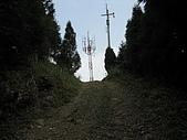 新竹五指山大分林山:五指山中指峰頂之基地台.jpg