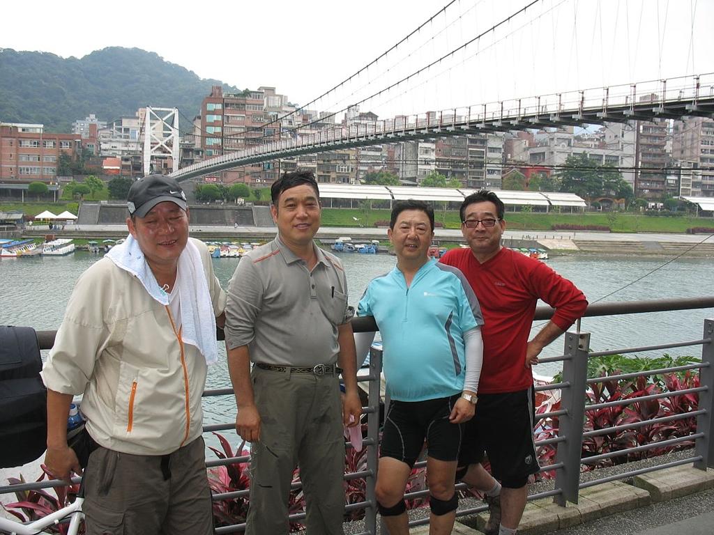 懷念謝立維同學:20120524碧潭西岸單車道終點.jpg
