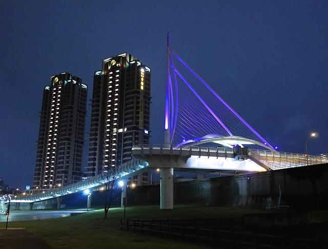 05遠雄左岸橋.jpg - 陽光橋