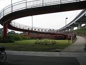 台北河濱公園單車道:單車牽引道.jpg