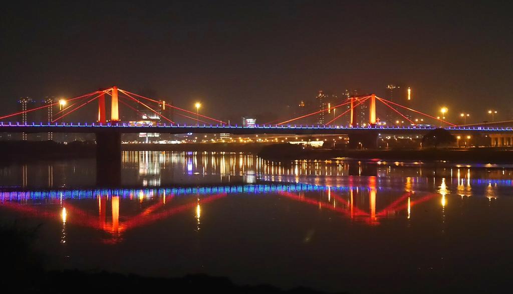 04光復橋夜色.jpg - 陽光橋