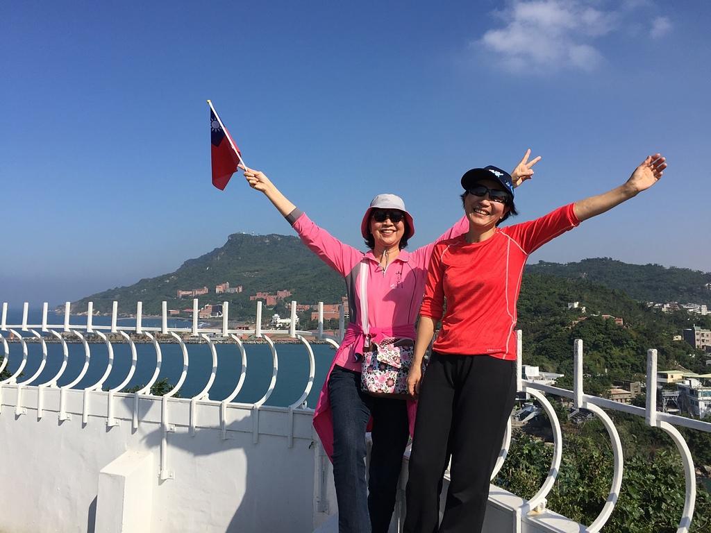 Angela許麗月在高雄燈塔 - 旗津海岸公園 旗後砲台 高雄燈塔
