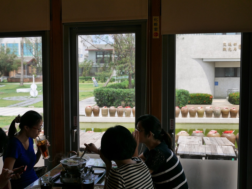 北門水晶教堂:23北門嶼風味餐廳外望北門出張所.jpg