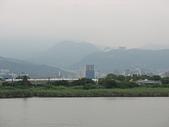 淡水河左右岸單車行:03天氣欠佳群山失色.jpg