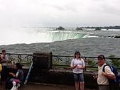 尼加拉大瀑布(2):33馬蹄瀑布旁2.JPG