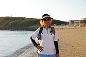 澎湖基石之旅:吉貝沙尾,背景為西崁山。