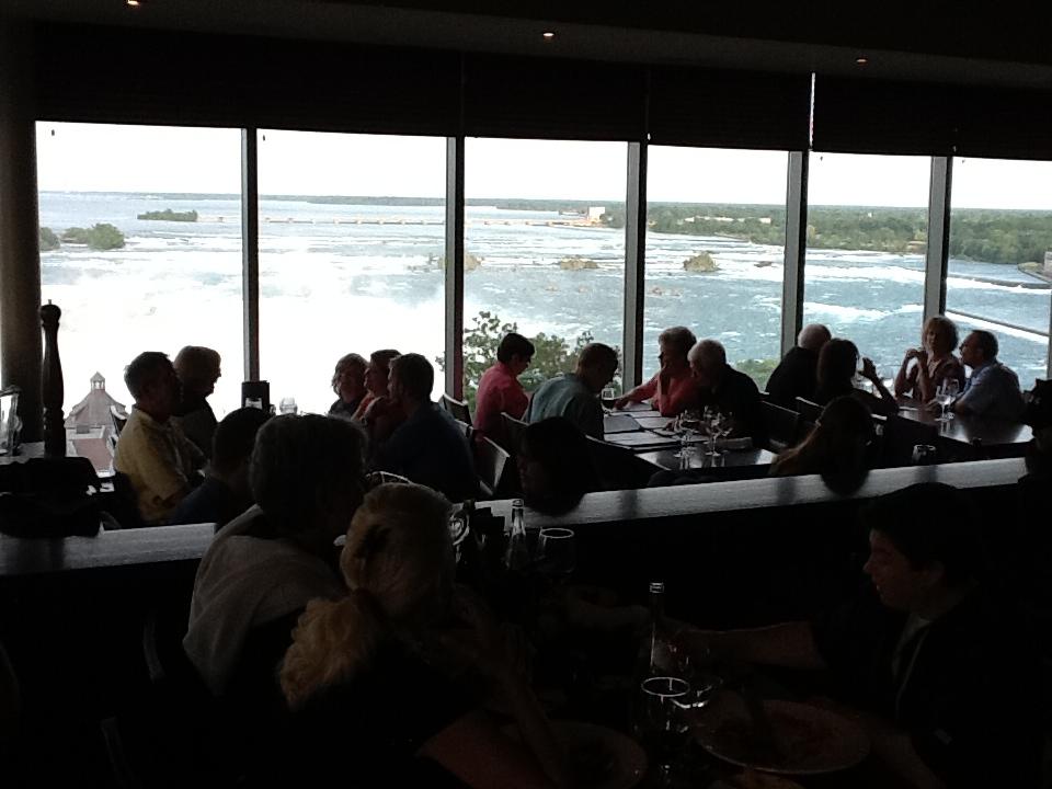尼加拉大瀑布:21觀瀑餐廳2.JPG