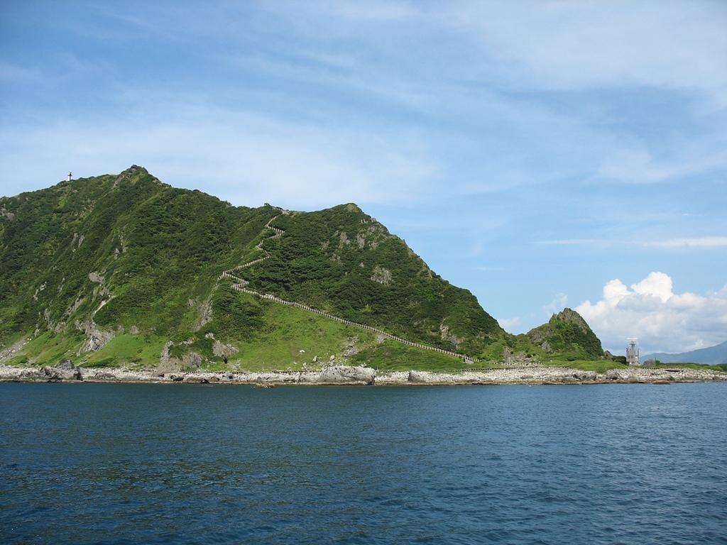 基隆嶼之遊:18基隆嶼燈塔及登山步道.jpg