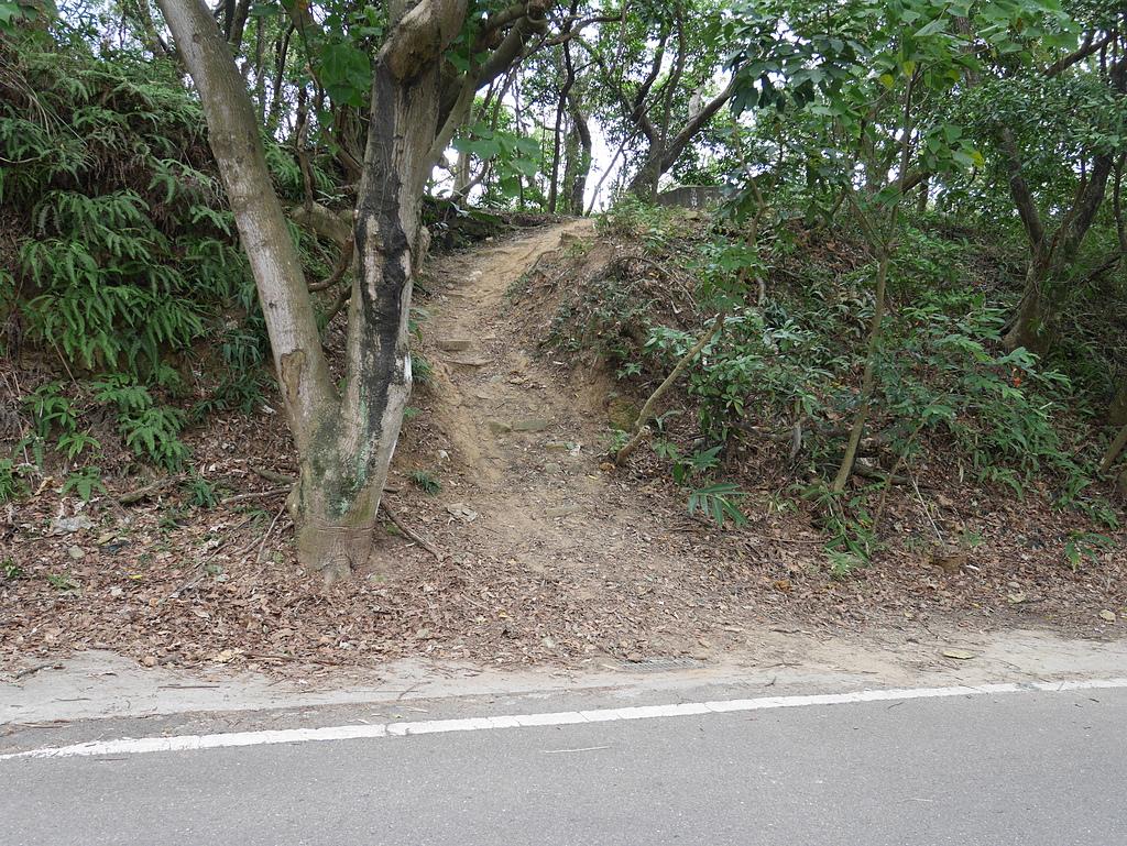 劍南路葛霧台稜線山徑入口 - 劍南路格物台登文間山