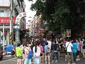 淡水河左右岸單車行:08淡水老街的人潮.jpg