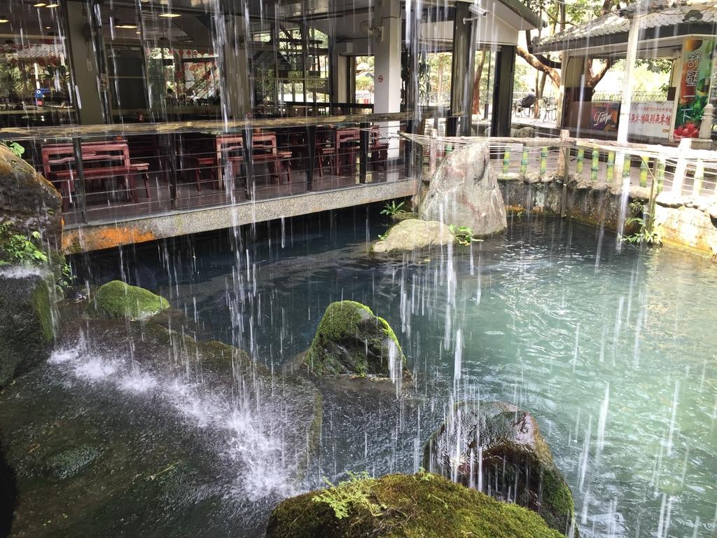 天然谷溫泉餐廳人工瀑布.jpg - 司馬庫斯二日遊之一
