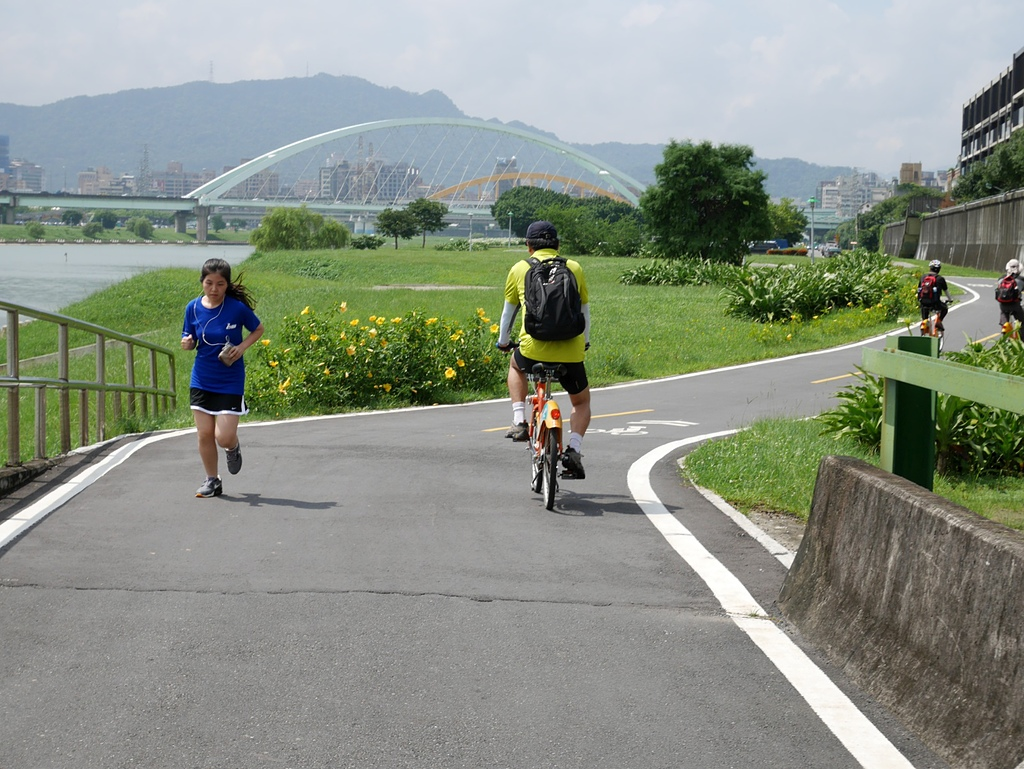基河左岸單車行:觀山河濱公園