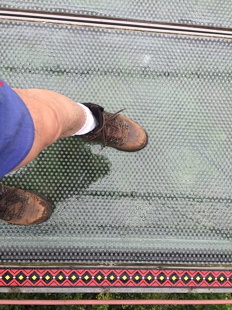 23琉璃光之橋噴砂玻璃橋面.jpg - 坪瀨・琉璃光之橋 健行園區
