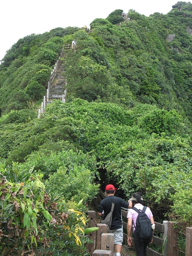 基隆嶼之遊:35步道後段的果難度與前段相較毫不相讓.jpg