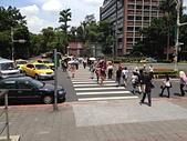 台大醫院陪病有感:01往來的人群.jpg