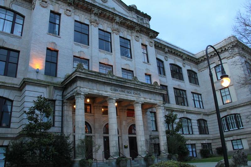 西雅圖行腳:Queen Annie Highschool