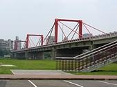台北河濱公園單車道:光復橋.jpg