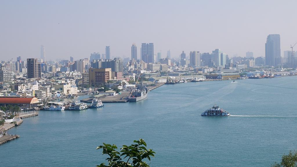 高雄港新濱碼頭2 - 旗津海岸公園 旗後砲台 高雄燈塔