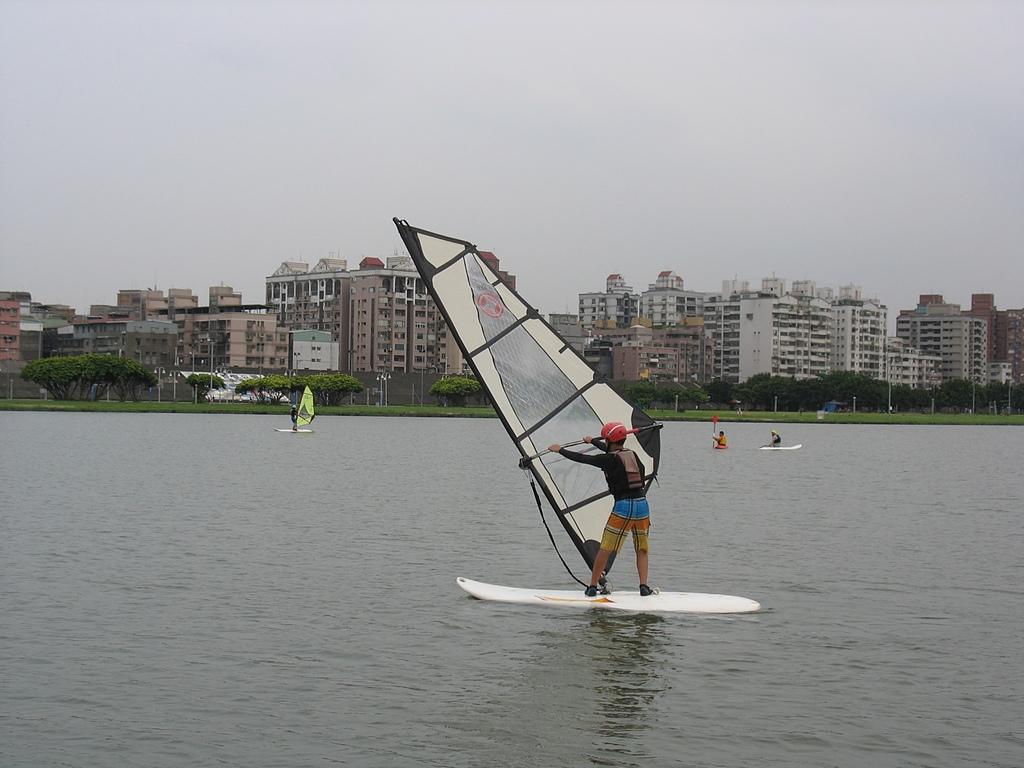 淡水河左右岸單車行:26微風運河風帆.jpg