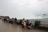 尼加拉大瀑布(2):33馬蹄瀑布旁1.JPG
