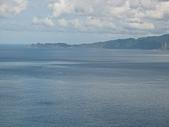 基隆嶼之遊:44燈塔視野遠眺鼻頭角海岸.jpg