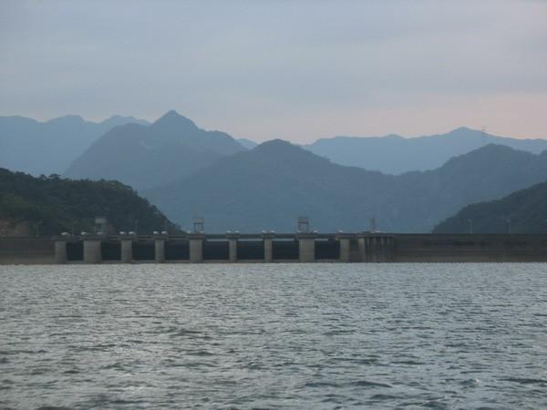 大壩風光 - 翡翠水庫的山光水色