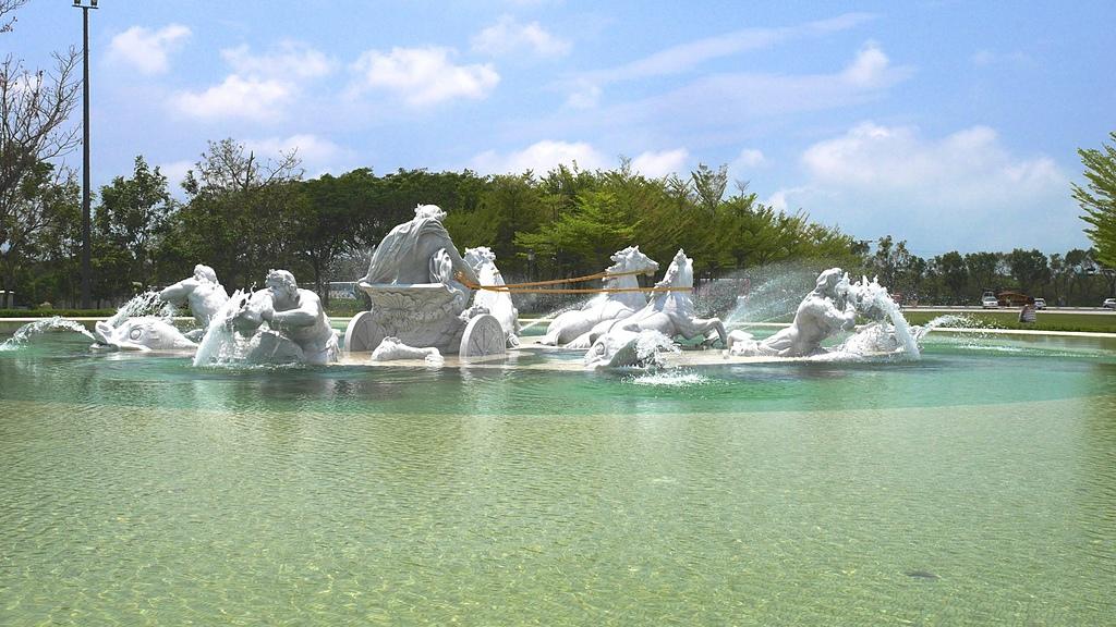 05奇美博物館 阿波羅廣場 太陽神馬車 噴泉背面.jpg - 奇美博物館