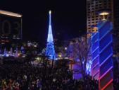 會動的照片:全台最高耶誕樹--新北市府前廣場-TWINKLE.gif