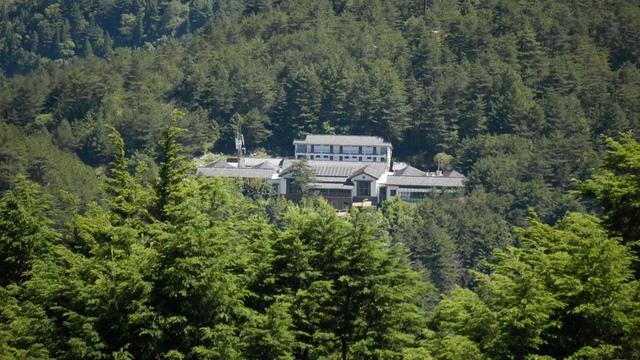 12北望可俯視塔塔加遊客中心.jpg - 麟趾山步道
