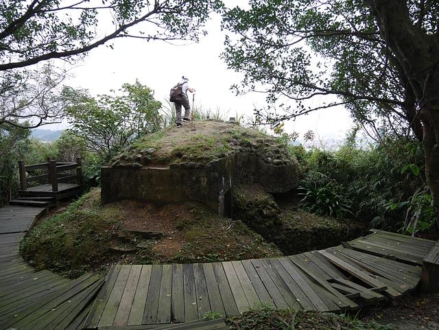 A21 位置 獅球嶺砲台有三個三角點的碉堡.jpg - 我的神奇寶貝