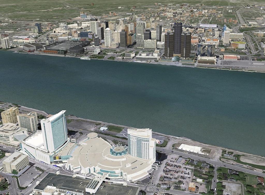 溫莎(Windsor)底特律河濱公園:06溫莎凱撒大飯店與底特律河對岸的通用汽車大樓.jpg