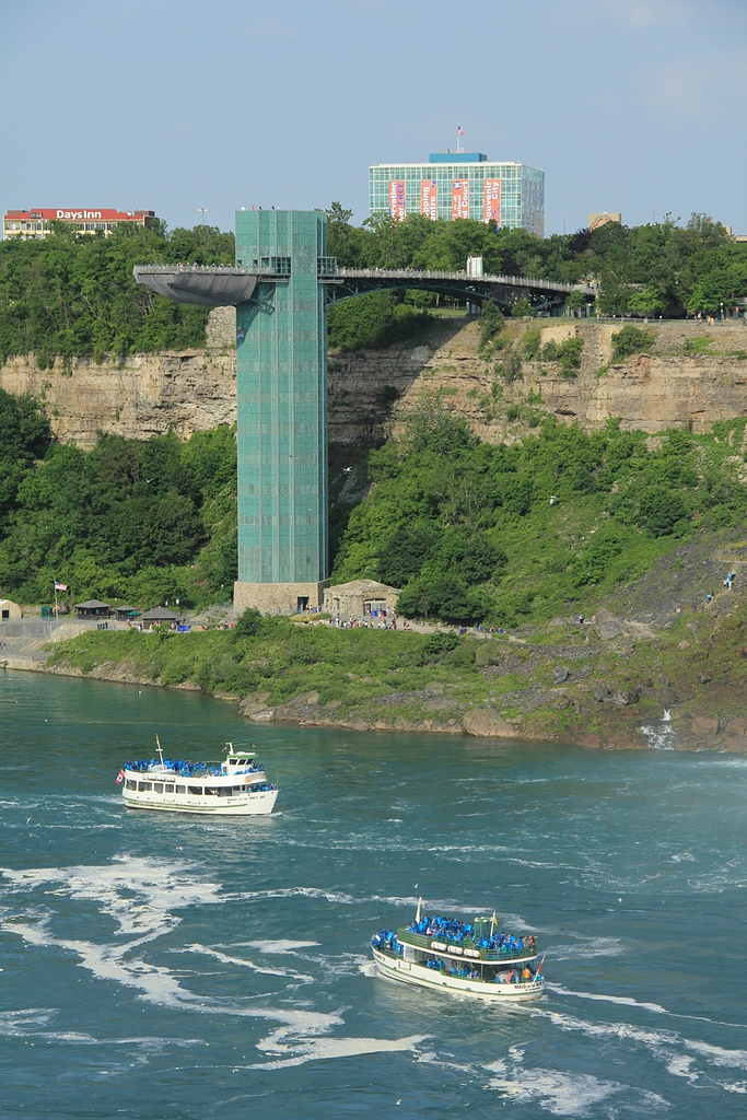 尼加拉大瀑布:09-Observation Tower觀瀑塔.jpg