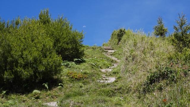 13麟趾山步道與下弦月.jpg - 麟趾山步道