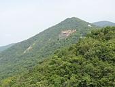 內湖三尖:三尖05鯉魚山東峰遠眺碧山巖