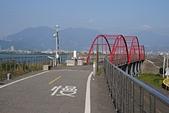 二重環狀自行車道:11防洪閘門上的紅色拱橋.jpg