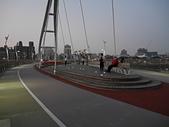 新月橋夜拍:17部分燈光已開啟.jpg