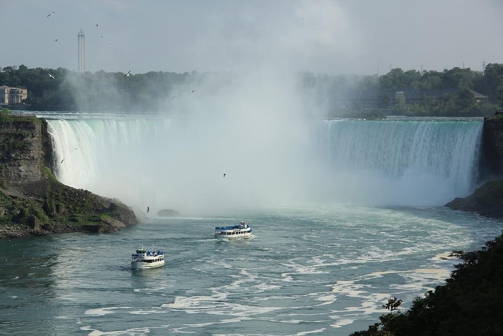 尼加拉大瀑布:12馬蹄瀑布(加拿大瀑布)2.jpg