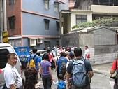 基隆永嘉景觀步道:07鑽入小巷.jpg