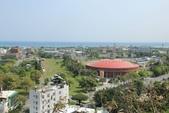 台東鯉魚山:鯉魚山腳下的鐵道藝術村及縣立體育館