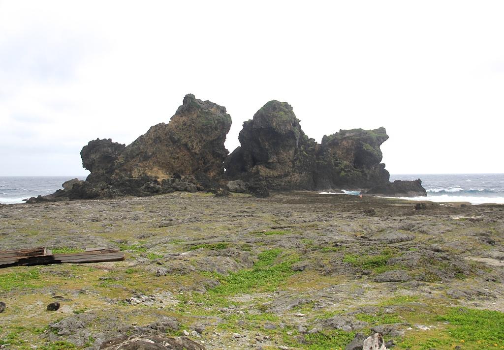 蘭嶼三日遊D2環島篇(奇岩之旅):蘭嶼雙獅岩