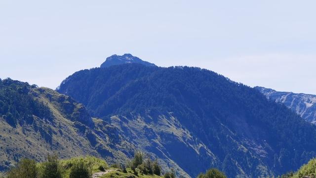 07麟趾山所見玉山主峰及前峰.jpg - 麟趾山步道