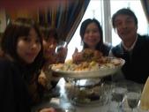 in France價值200歐元的海鮮大餐:請旁邊的團員幫我們拍照蝦咪恍到