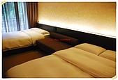 太魯閣晶英搶先體驗:床的空間也沒有那麼大了.