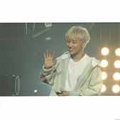 180822 1st Solo Concert Live Shine:DlR6EJiUUAQoK1y.jpg