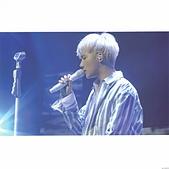 180822 1st Solo Concert Live Shine:DlR6EJwVsAYI5zr.jpg