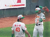 2006  8/25  牛對獅  :陳志偉