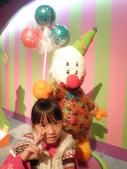20130109-依潔生日之參觀糖果展:P1190247.JPG
