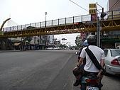 遊歷台中市與高美溼地:出發往高美 清泉崗附近的自行車天橋